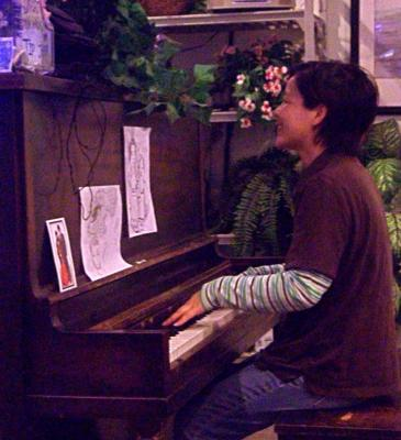 Huiya Chen | Newport, OR | Gospel Piano | Photo #4