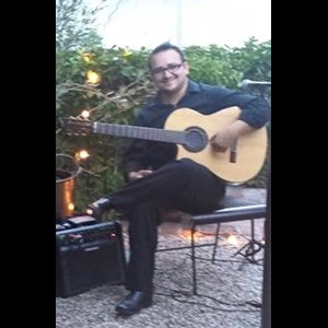 Hawaii Classical Acoustic Guitarist | Aaron Copenhaguen