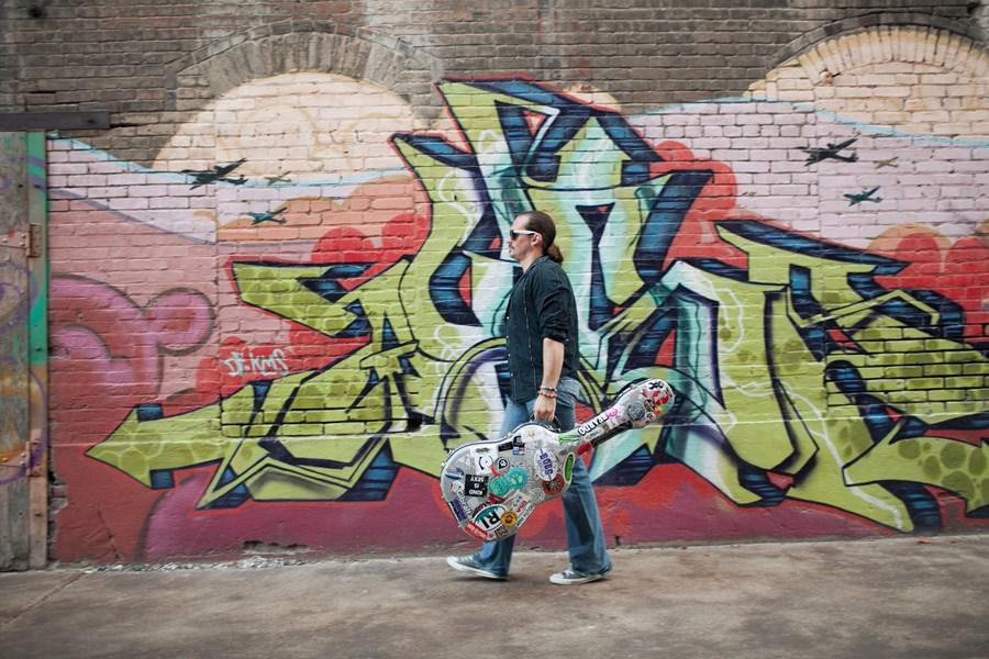 Sean McNown - Singer Guitarist Mission, KS   GigMasters