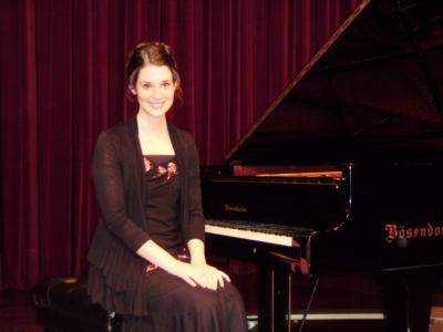 Megan Battles Music | Harrisburg, PA | Piano | Photo #2