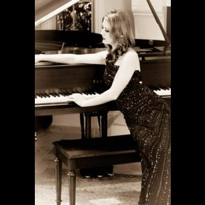 Ashlee Young - Pianist - Los Angeles, CA
